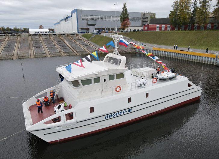 Первое безэкипажное исследовательское судно в России спустили на воду в Санкт-Петербурге
